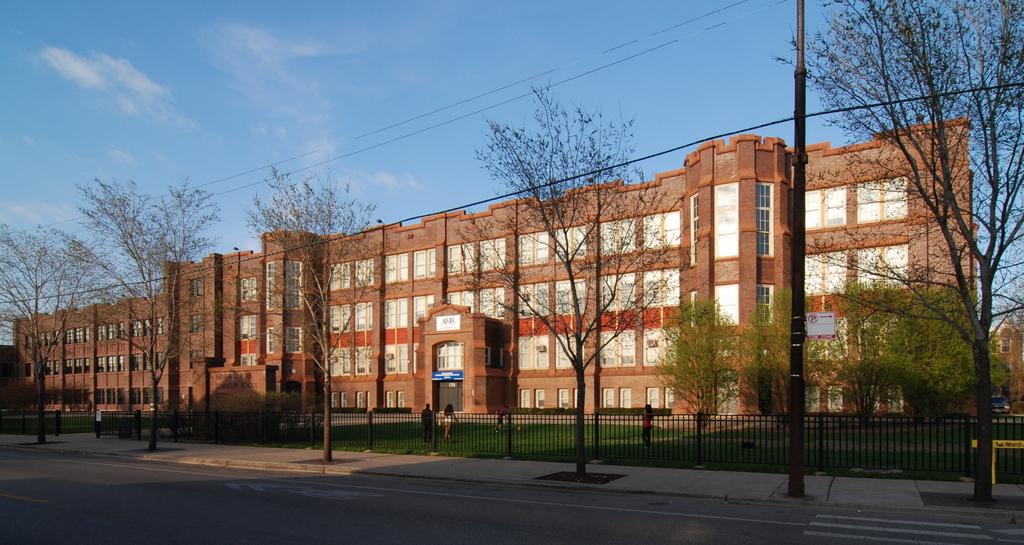 featured image Bernhard Moos Elementary School