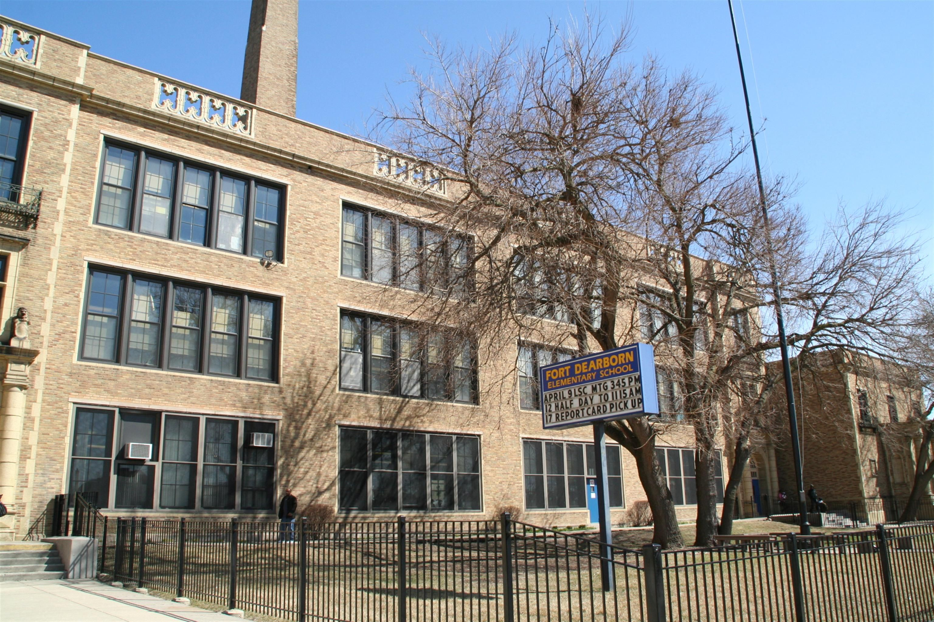 featured image Fort Dearborn Elementary School